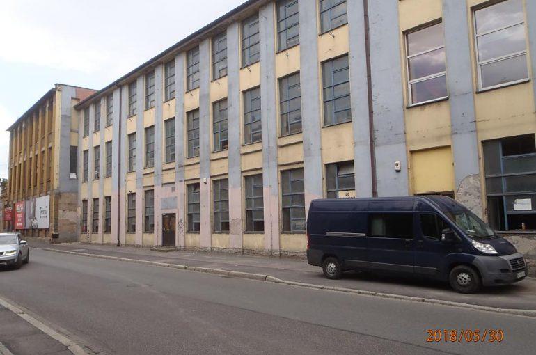 Hala produkcyjna – iniekcja krystaliczna, Bielsko-Biała